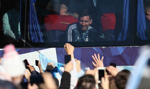 La Selección argentina regresó al país tras su consagración en el Maracaná