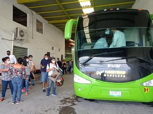 Refuerzos llegan de Monclova al plantón en CDMX