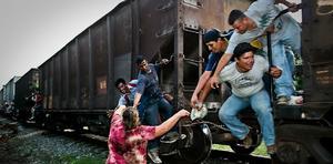 Migrantes usan el tren para llegar a Piedras Negras