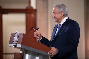 López Obrador anuncia reforma que prioriza 'interés público' en electricidad