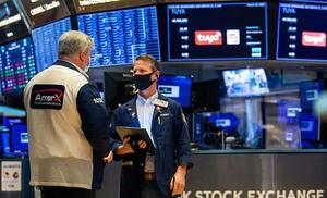 Wall Street cierra con triple récord por segunda jornada consecutiva