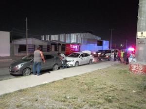 Conductor no midió distancia y provoca choque en Monclova