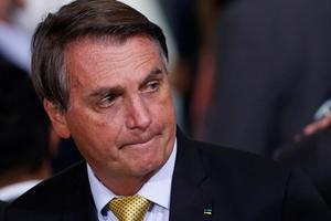 Bolsonaro invita a Benet a Brasil en su primera conversación como mandatarios
