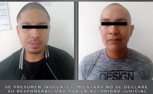 Llevaban armas y 600 cápsulas de cocaína en Ecatepec