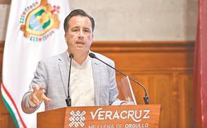 Gobernador de Veracruz denuncia sueldos de magistrados