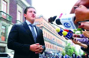 El gobernador electo Samuel García planea tren rápido Monterrey-San Antonio