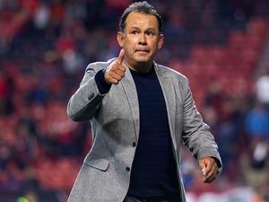 Reynoso dice que aunque fuera de forma, Cruz Azul va por título de campeones