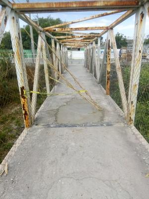 Los puentes peatonales lucen vacíos en Monclova