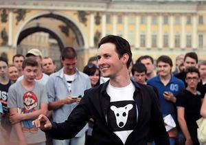 Miembro de Pussy Riot abandona Rusia por la persecución policial