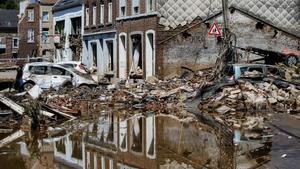 Suben a 31 fallecidos y a 163 desaparecidos en las inundaciones en Bélgica