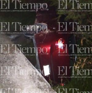 Un vehículo terminó volcado en la colonia Ramos Arizpe de Monclova