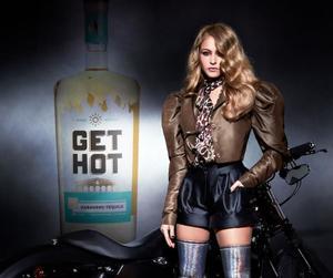 Paulina Rubio lanza su propia marca de tequila