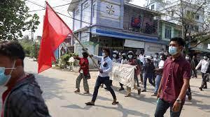 Esposa del australiano detenido en Birmania pide a la junta su liberación
