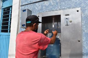 El consumo de agua sin purificar aumenta el riesgo de diarrea en niños