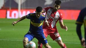 Boca empata como visitante y River pierde ante el campeón defensor