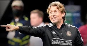 Técnico del Atlanta United es despedido por abusar de sus futbolistas