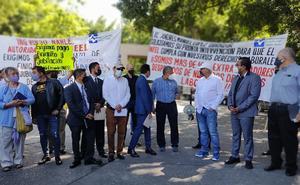 Trabajadores mexicanos protestan por despidos injustificados