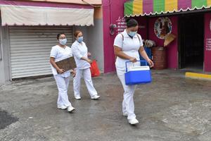 El IMSS arranca campaña de vacunación