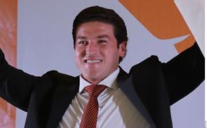 Samuel García tilda de 'ridícula' multa del INE por aparecer en redes