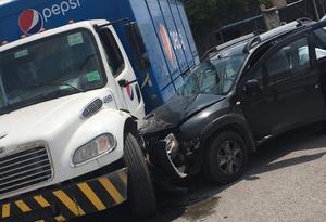 Un chófer omite el alto y provoca accidente en Monclova