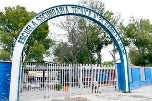 30 alumnos de secundaria en espera por cambio de escuela en Monclova