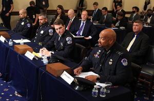 Comité que investiga el asalto al Capitolio arranca con escalofriante video