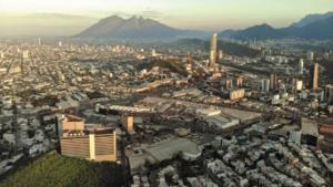 SCT confirma los proyectos del Tren Suburbano y carretera Interserrana en Nuevo León