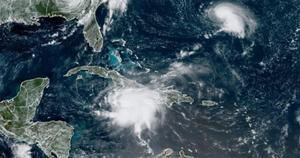 Tormenta Grace se fortalece a su paso por el sur de Jamaica rumbo a Yucatán