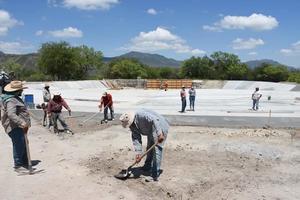 Obra del Estanque del ejido 'Borregas' avanza en su construcción