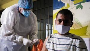 Vacunan contra COVID-19 a toda la población penitenciaria de Tamaulipas