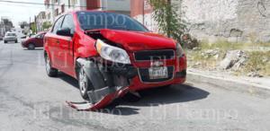 Choque entre dos vehículos deja dos menores lesionados en Monclova