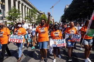 Miles de personas  marchan por el derecho  al voto en Washington