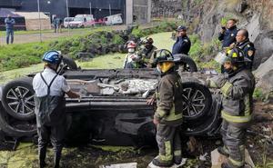 Conductora cae a barranco de 20 metros y muere en Coyoacán