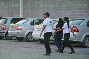 Elementos de la AIC detienen a mujer por robar dentro de un centro comercial de Monclova