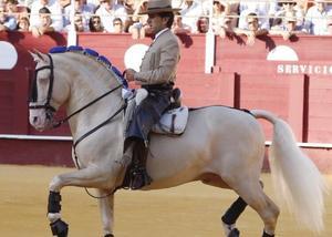 Soberbia tarde de Diego Ventura: Tres orejas y un rabo en Linares (Jaén)