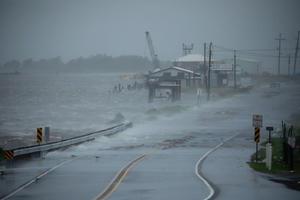 El huracán 'Ida' azota Estado Unidos deja sin luz a toda Nueva Orleans