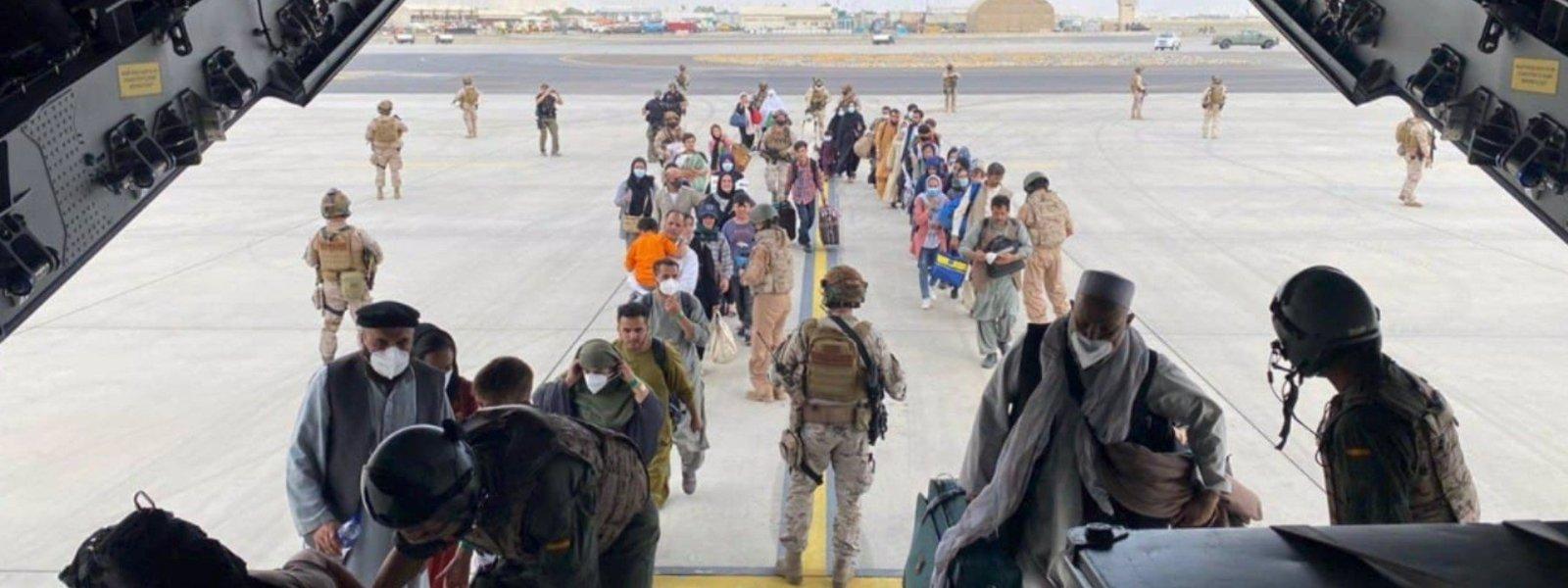 La UE continuará ayudando a los afganos mediante las ONG mientras se pueda