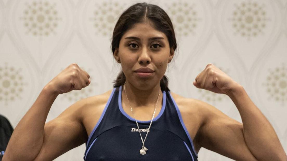 VIDEO: La boxeadora mexicana 'Chiquitaboom' permanece en estado crítico tras recibir un 'nocaut' en un combate en Canadá