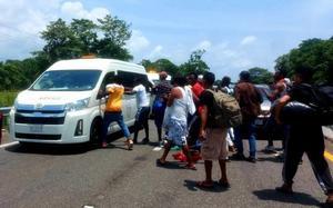 La GN bloquea caravana de migrantes; se desata enfrentamiento