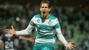 El delantero Santiago Muñoz firma con el Newcastle de la Liga Premier