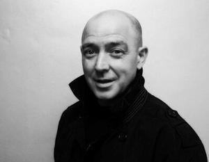 Tony McCarroll: El primer baterista Oasis sufre un infarto
