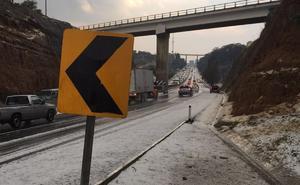 Ejidatarios protestan en autopista; exigen pago de hectáreas