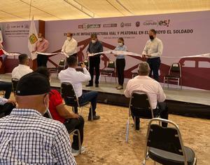 Riquelme entrega 4 puentes vehiculares en Piedras Negras