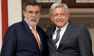 AMLO confirma salida del gabinete del consejero jurídico Julio Scherer