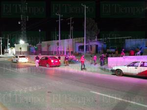 Presunto agente de la AIC atropella a peaton en Estanciasy lo deja grave