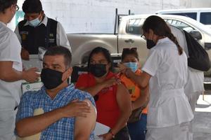 CNDH a investigación por anomalías en vacunación