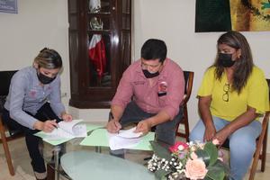 Autoridades municipales firman con el Cecati 9 un convenio de colaboración