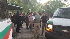 27 indocumentados fueron encontrados encerrados en un vagón de un tren en Eagle Pass