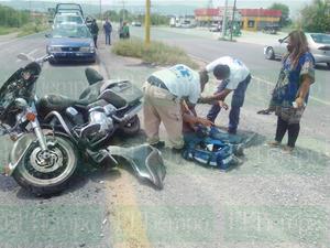 Vehículo fantasma derriba a motociclista en San Buena