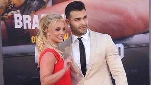 Novio de Britney Spears es captado buscando anillo de compromiso